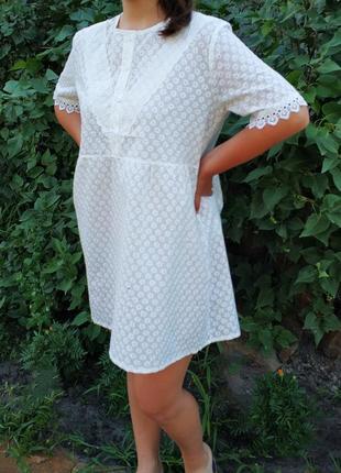 Короткое летнее платье-трапеция с завышенной талией из прошвы, туника, качество отличное