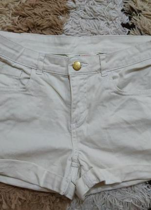 Короткие джинсовые шорты h&m на подростка или хс-с