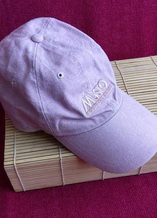 Продам женскую кепку musto