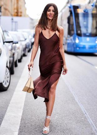 Фирменное стильное качественное атлосное платье в пижамном стиле