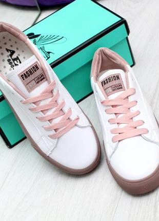 Новые шикарные женские белые кроссовки кросівки
