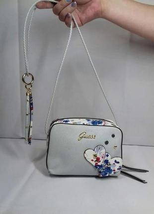 Класна сумочка від guess!