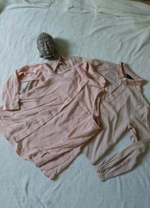 Две нюдовых рубашки вискоза на хс