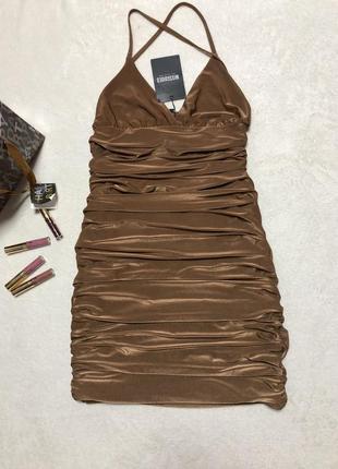 Брендовое платье очень приятная ткань l xl красивая спинка