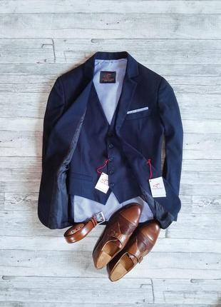 Итальянский пиджак + жилет falko rosso