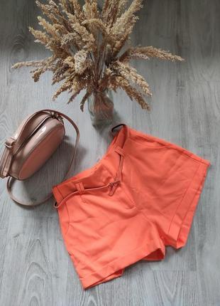 Яскраво оранжеві шорти з високою посадкою missguided