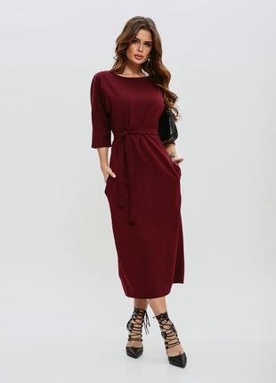 Бордовое платье с пуговицами на спинке