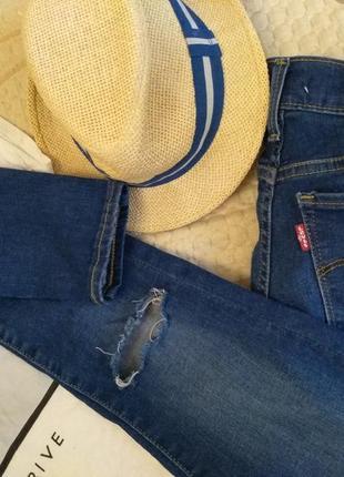 Джинсы  высокая талия , с разрезами,  рваные на коленях, levis , skinny, разм 26