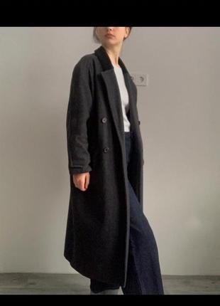 Шерстяное длинное двубортное серое пальто винтаж ретро