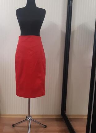 Красная коттоновая юбка миди
