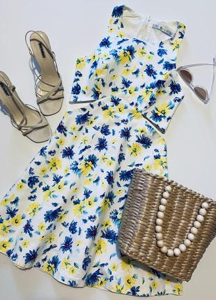 Стильное летнее платьице в цветочный принт с вырезами на талии от zara