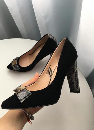 Чёрные лодочки туфли