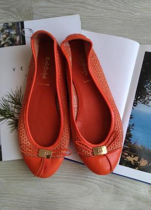 Кожаные балетки яркие летние туфли