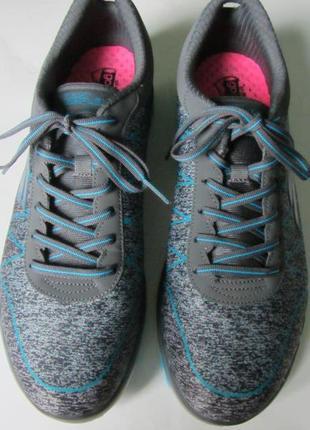 Літні кросівки skechers goflex.