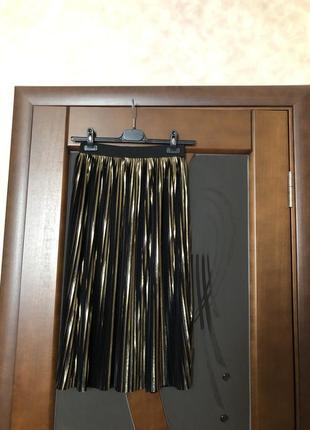 Актуальная золотистая юбка-плиссе миди от topshop. новая
