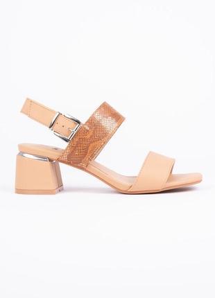 Босоножки сандали на удобном каблуке