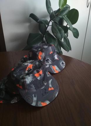 Стильні шляпки на море, панами, капелюхи