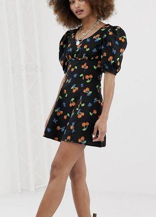 Чёрное летнее платье с рукавами-фонариками