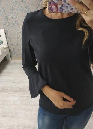Актуальная блуза кофточка с рюшами на рукавах
