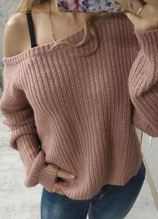 Стильный тёплый свитер на одно плечо
