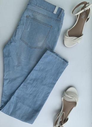 Светлые джинсы house