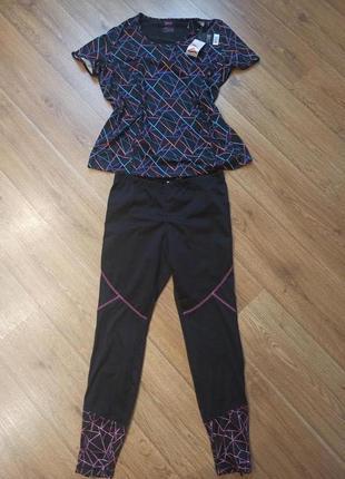 Яркий спортивный костюм футболка и лосины
