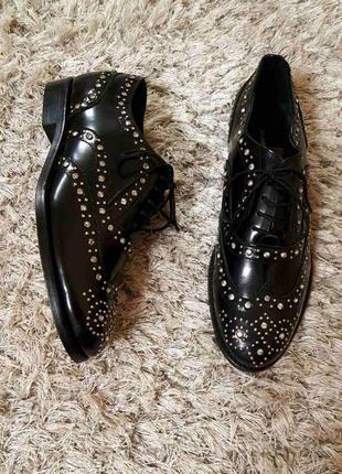 Шикарні туфлі fen від cosmoparis лакована нат.шкіра р.38.