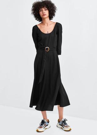 Льняное платье zara с поясом длины миди