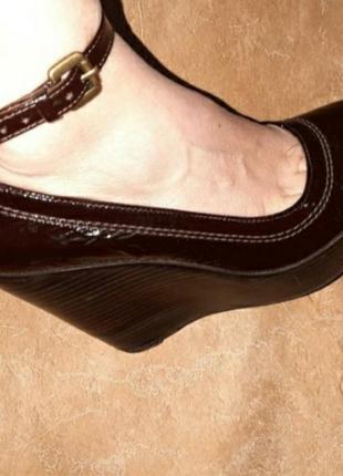 Лаковые натуральная кожа туфли