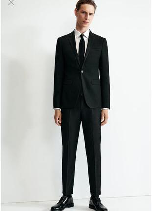 Мужской чёрный костюм zara