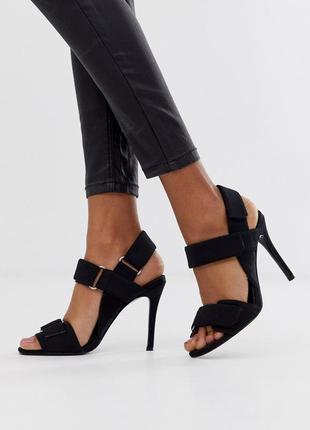 Стильные босоножки на каблуке асос asos