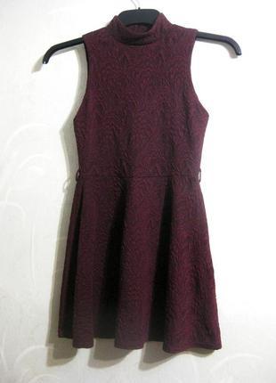 Платье atmosphere бордовое марсала мини фактурное с горлом трикотажное повседневное