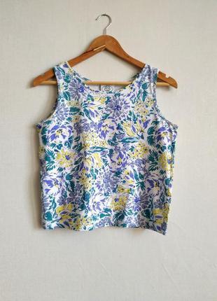 Блуза без рукавов в цветочный принт