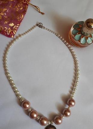 Ожерелье под  жемчуг
