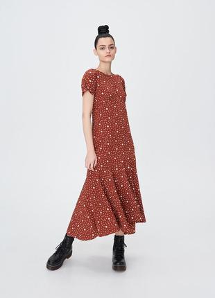 Sinsay тренд 2020! стильное лёгкое платье с оборкой, р.xs