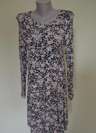 Очень красивое трикотажное вискозное брендовое платье свободного фасона длинный рукав
