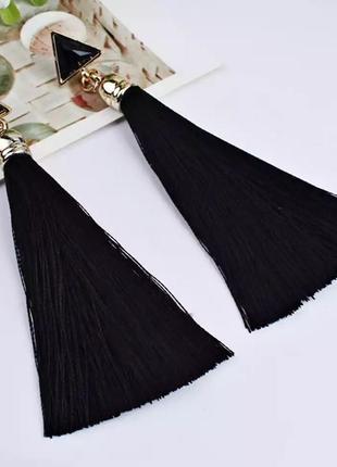 Серьги гвоздики кисточки чёрные