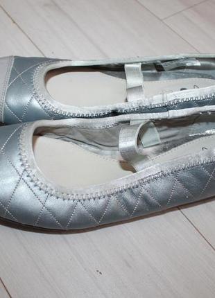 Новые кожаные туфли балетки разм 34-35 clarks