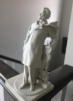 Статуэтка а.с.пушкин