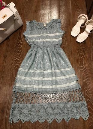 Очень красивое нежное платье длина миди кружево