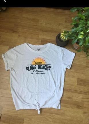 Біла футболка chicoree