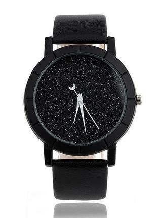 Черные кварцевые часы