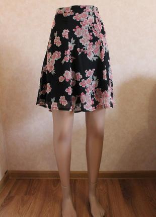 Очаровательная юбка, невесомая, в цветы, очень красивая