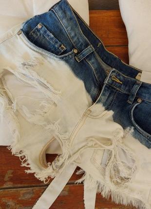 Модные женские джинсовые шорты белые синие