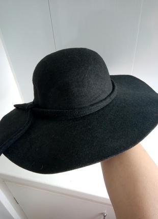 Фетровая шляпа с широкими полями  торг