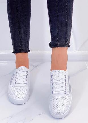 Шикарні білі мокосіни2 фото
