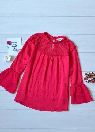 Красива блуза з кружевом savannah miller