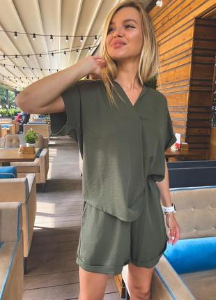 Костюм (шорты и рубашка )