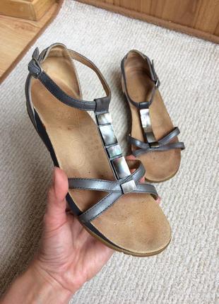 Clarks кожаные босоножки сандалии