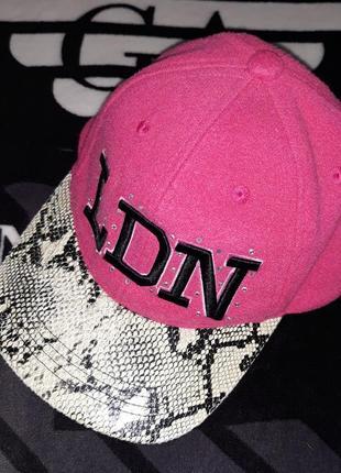Снепбек кепка бейсболка с прямым козырьком для рэперов ldn